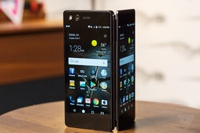 Эксперты ожидают волну сгибающихся смартфонов