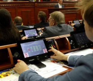 Киевсовет игнорирует требования суда
