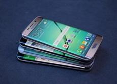 Китайские производители смартфонов массово закупают AMOLED-панели