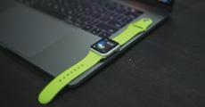 Вибрационный ремешок поможет сделать Apple Watch тоньше