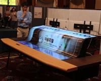 Представлен самый большой в мире гибкий прозрачный дисплей