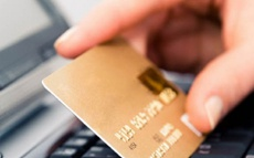 Псевдопрацівник банку зняв з картки чоловіка 10 тисяч гривень