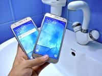 Samsung не забывает обновлять старые бюджетные смартфоны