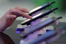 На рынке мобильных телефонов падают продажи