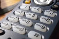 Почему кнопки набора номера на телефонах расположены именно так