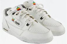 Кроссовки от Apple оценили в 15 тысяч долларов