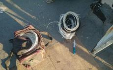У Сумах на даху багатоповерхівки затримали крадія кабелю