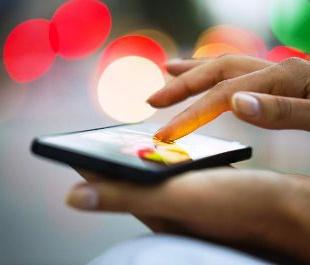 Что лучше выбрать: смартфон или мобильный телефон?