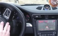 Энтузиаст сыграл в Doom автомобилем Porsche 911