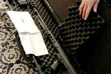 Пенсионер получил по почте ружье вместо игрушечного самолета