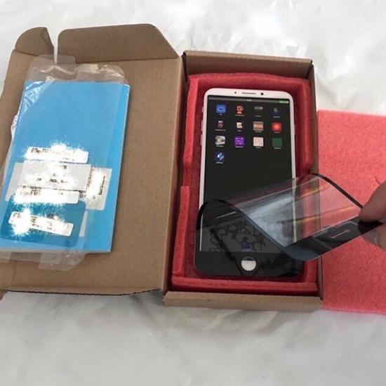 В сеть утекли фотографии прототипа iPhone 8 с необычным дизайном
