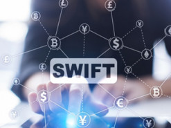 """Дамоклов меч – это отключение от SWIFT"". Как далеко могут зайти с санкциями США и Россия"
