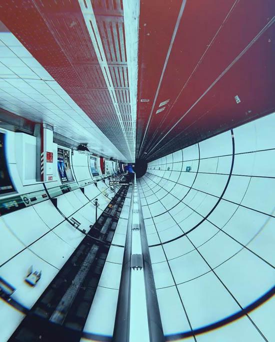 31557253734_metro-naoborot-3.jpg (85 KB)
