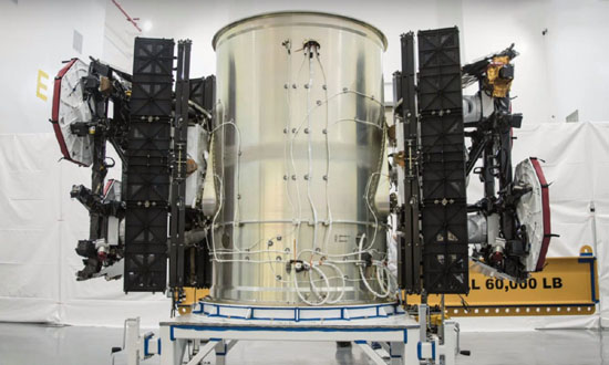 1Starlink-test-satellites-SpaceX-1300x780.jpg (62 KB)