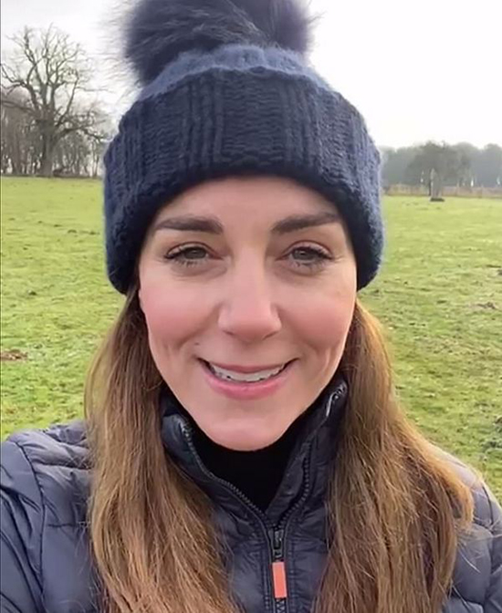 38692540-9206635-The_Duchess_of_Cambridge_pictured_appeared_stylishly_low_key_as_-a-2_1612082878766 (1).jpg (222 KB)