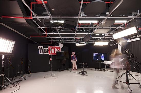1349330870 youtube office in london 13 - Фотографии офиса YouTube в Лондоне (Фото)
