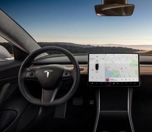 Владельцы электрокаров Tesla могут управлять другими машинами на расстоянии