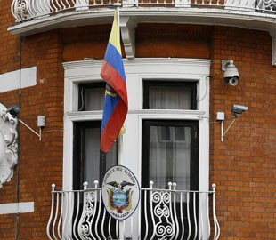 Полиция Эквадора отпустила задержанного соратника Ассанжа
