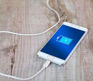 Почему не стоит пользоваться телефоном во время зарядки