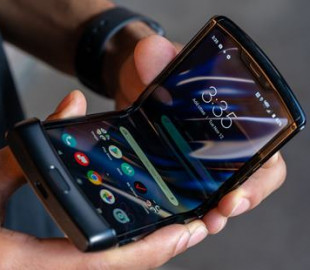 Новая Motorola Razr перестала складываться после 27 тысяч сгибаний