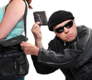Бывший муж присвоил мобильный номер жены и похитил ее деньги через смартфон