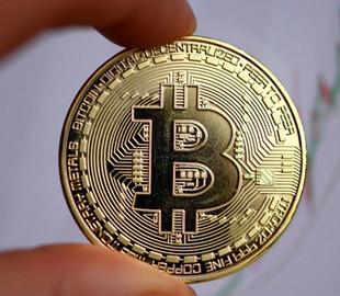 Цена Bitcoin впервые с октября превысила 10 тысяч долларов