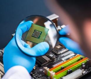 Глобальный дефицит компьютерных чипов затронет большинство технологических отраслей и может продлиться два года