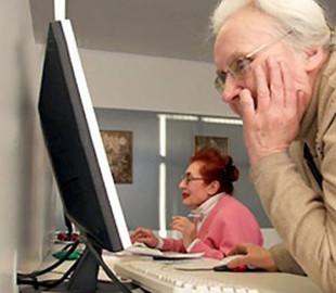 Команда айтишников запустила бесплатную техподдержку для пенсионеров и родителей школьников