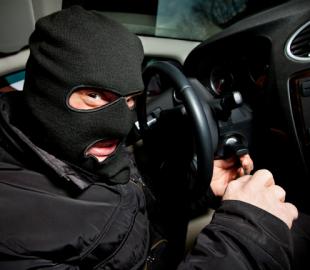 Полиция: украинец взламывал автомобили при помощи устройства, купленного через интернет