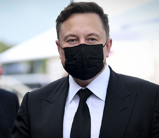 """Маск назвал COVID-19 """"разновидностью простуды"""" и описал свои симптомы"""