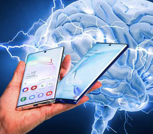 Ученые выяснили, как смартфоны влияют на мозг