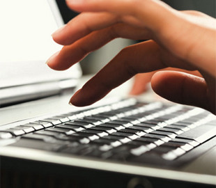 Зеленский предложил ввести электронную регистрацию места жительства