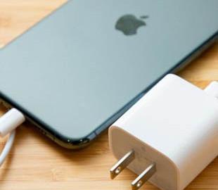 В комплект iPhone 12 не будут входить наушники и зарядное устройство